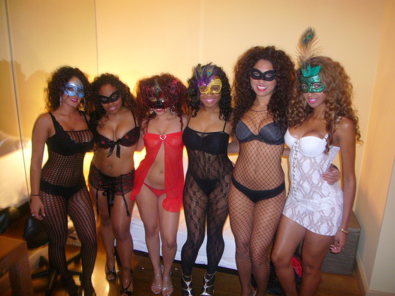 What to Wear to a Lingerie Party? - Lacy Hint Blog