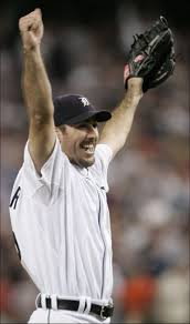 Verlander arms raised