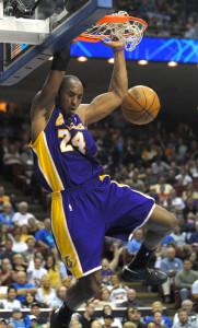 Kobe dunks